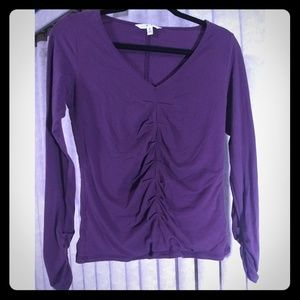 CABI Vneck 3/4 sleeve scrunched purple top/shirt